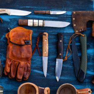 Hiking Knives